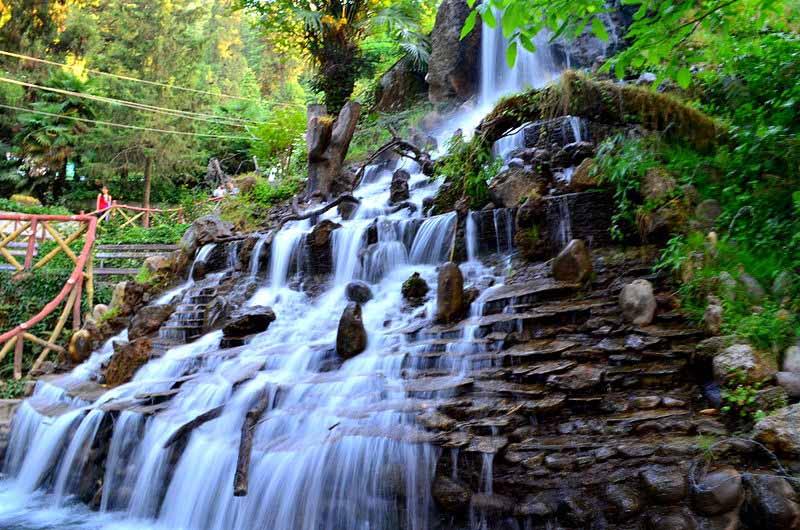 Company-garden-waterfall-mussoorie