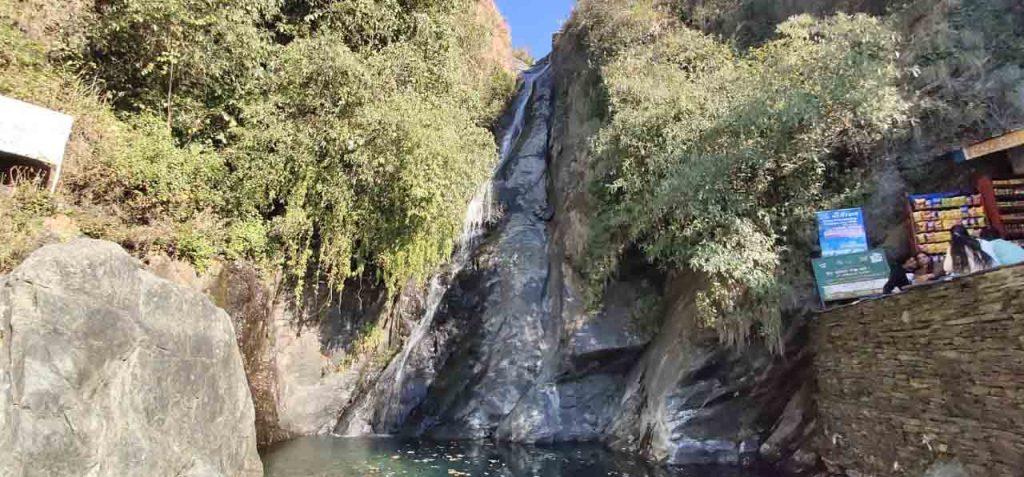 bhagsu_waterfall_McLeodGanj