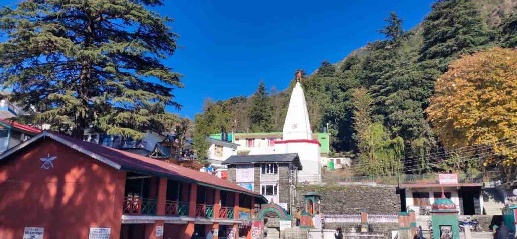 bhagsunag_temple_mcleodganj