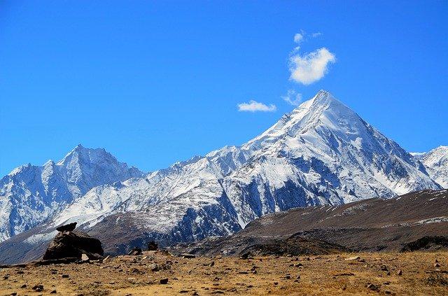 dhauladhar_mountain_view_from_triund_trek